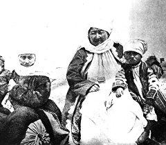 Өткөн кылымдардагы кыргыздардын сүрөттөрү.