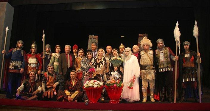 Ошский Государственный академический узбекский музыкально-драматический театр имени Бабура является самым старейшим профессиональным театром Кыргызстана.