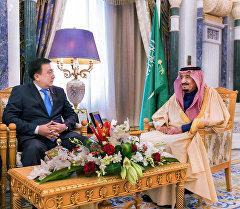 Жогорку Кеңештин төрагасы Асылбек Жээнбеков Сауд Аравиясынын королу Салман бин Абдельазиз Аль Сауд менен жолукту. Архив