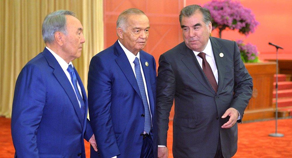 Президент Казахстана Нурсултан Назарбаев, президент Республики Узбекистан Ислам Каримов и президент Республики Таджикистан Эмомали Рахмон (слева направо). Архивное фото
