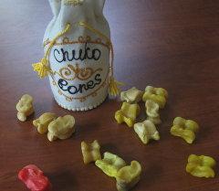 Chuko Bones — набор из 15 альчиков с детальной инструкцией и правилами четырех разновидностей игры на популярных мировых языках.