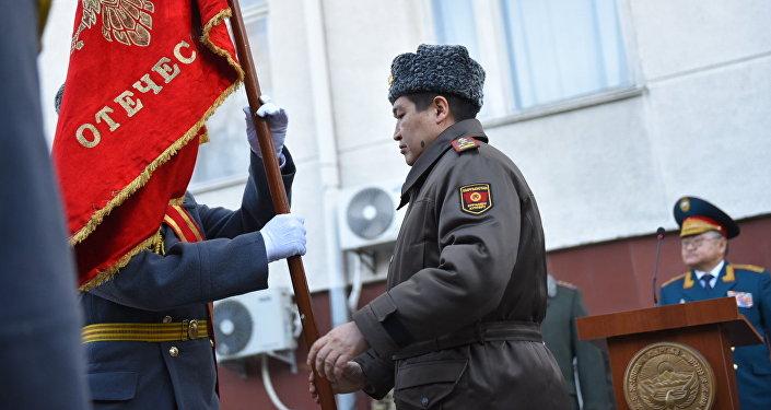 Торжественная передача боевого знамени Государственного комитета по делам обороны Генеральному штабу Вооруженных сил.