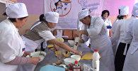 Мектептердин 22 ашпозчусу Бишкекте кулинардык таймашка катышууда