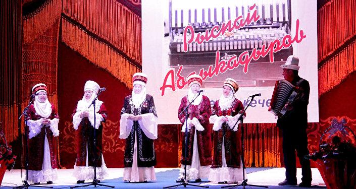 В завершении вечера звучал хорный коллектив артистов.