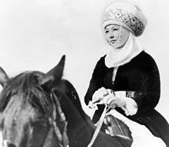 Таланттуу актриса Таттыбүбү Турсунбаева. Архивдик сүрөт