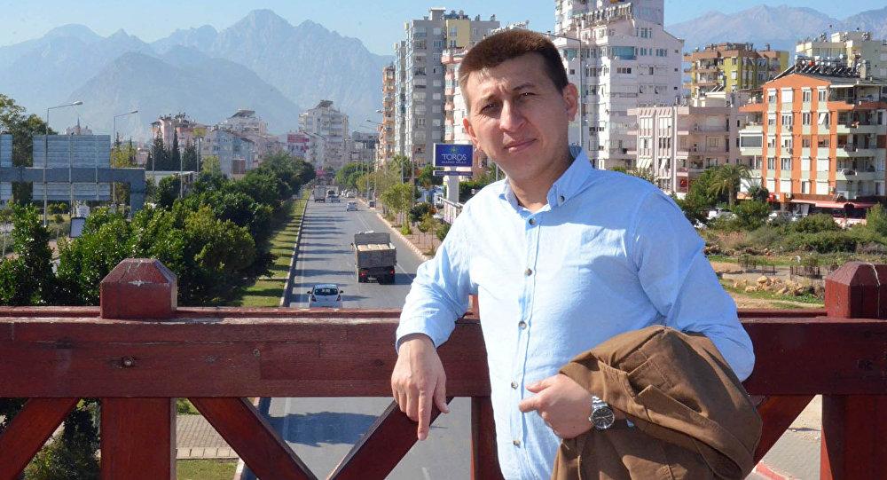 Журналист Тынчтык Кожобеков. Архив