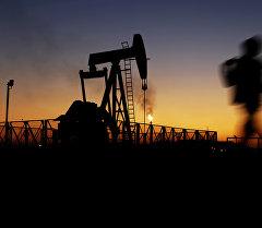 Нефть чыгаруучу насос. Архив
