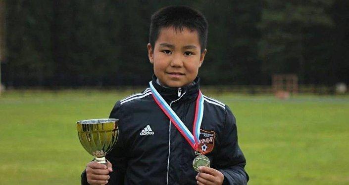 Юный футболист из Кыргызстана Тилек Бабединов играющий за Екатеринбургскую команду Урал.