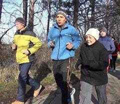 Семидесятилетняя кыргызстанка пробежала марафонскую дистанцию