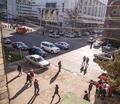 Бишкек шаарынын көчөлөрүнүн бири. Архив