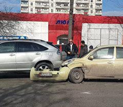 Бишкектин борборунда төрт автоунаа кагышты