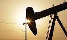 Станок-качалка нефти. Архивное фото