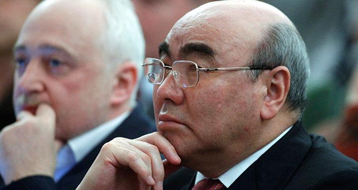 Первый президент КР Аскар Акаев. Архивное фото