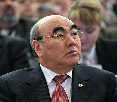 Кыргызстандын биринчи президенти Аскар Акаев. Архив