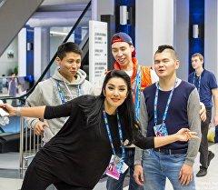 Азия MIX КВН командасынын катышуучулары. Архив