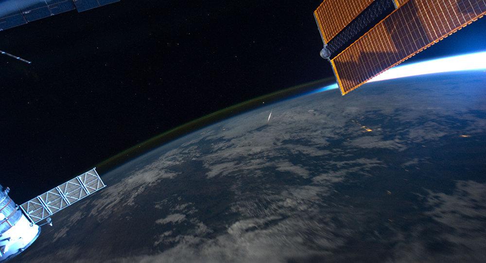 Эл аралык космостук станциясынан жерге көрүнүш. Архив