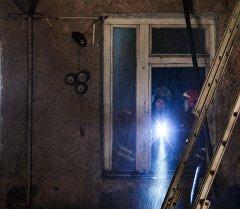 Москвадагы тигүү цехинде чыккан өрт жайында ӨКМ кызматкерлери. Архив