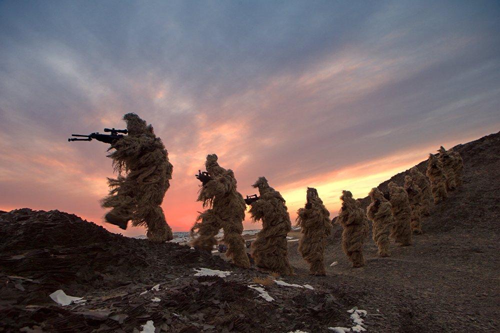 Тренировка солдат Народно-освободительной армии Китая