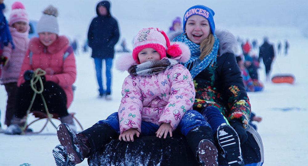 Зимний спортивный праздник Все на лыжню—2016