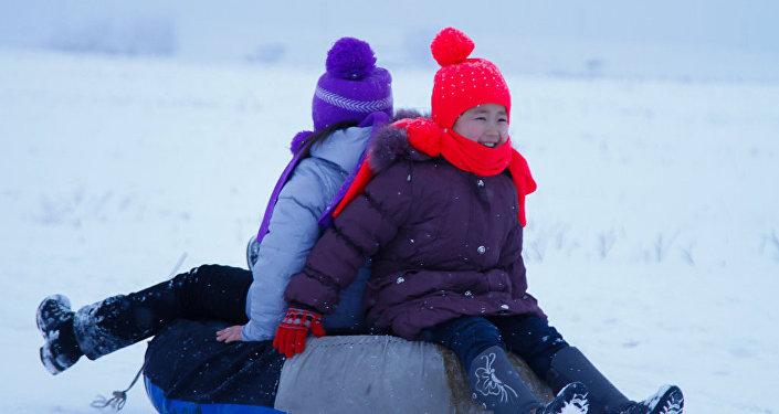 В селе Стрельниково прошел зимний спортивный праздник Все на лыжню—2016.