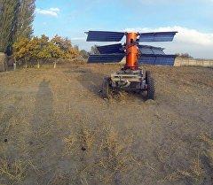 Ветро-генератор Шам Тур, который изобрел Эмиль Турсунов. Архивное фото