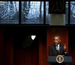 АКШ президенти Барак Обама Балтимордогу мечитте.