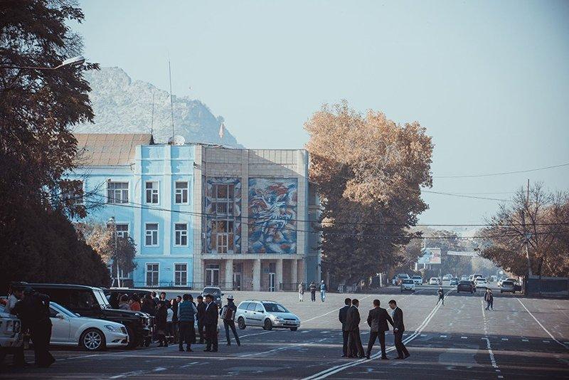 Центральная площадь в Оше