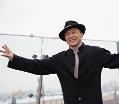 Актер Жеки Чандын архивдик сүрөтү