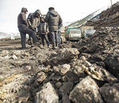 Рабочие угольного месторождения Кара-Кече. Архивное фото