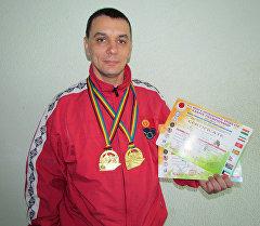 Каратэ боюнча Азиянын чемпиону Александр Сурков.