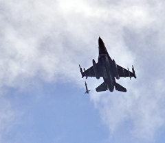 F-15 үлгүсүндөгү аскердик учак. Архив