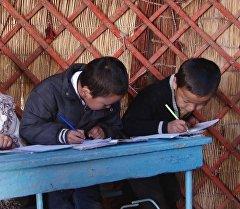 Дети во время занятий. Архивное фото