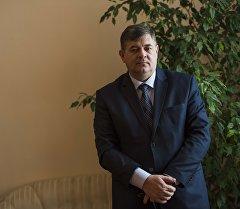 Вице-премьер Олег Панкратовдун архивдик сүрөтү