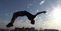 Селфи сүйүүчүлөргө спортчудан жооп — өлкөнүн ар бурчунан жасалган саль