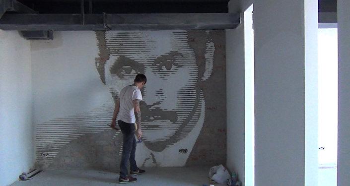 Вырезавшие портрет Чокморова художники планируют мега-проект