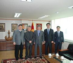 Посол КР в Корее Аскар Бешимов с представителями Кыргызско-корейской ассоциации дружбы и взаимообмена