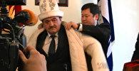 Депутаттар Бишкектин жаңы мэрине чарбачыл болсун деп камчы карматышты