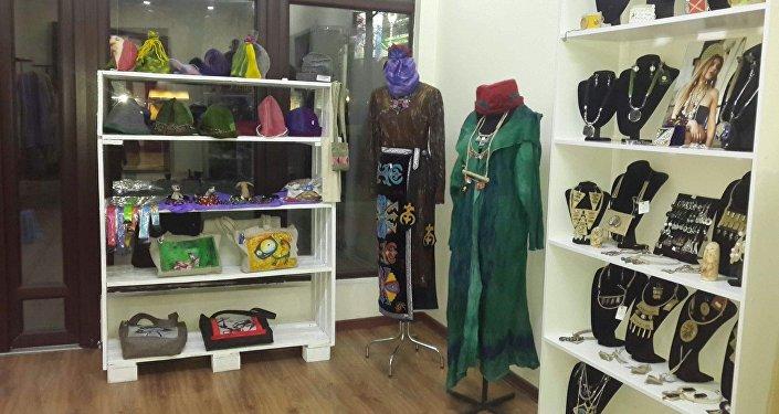 В столице открылся магазин, продающий изделия, изготовленные только в Кыргызстане