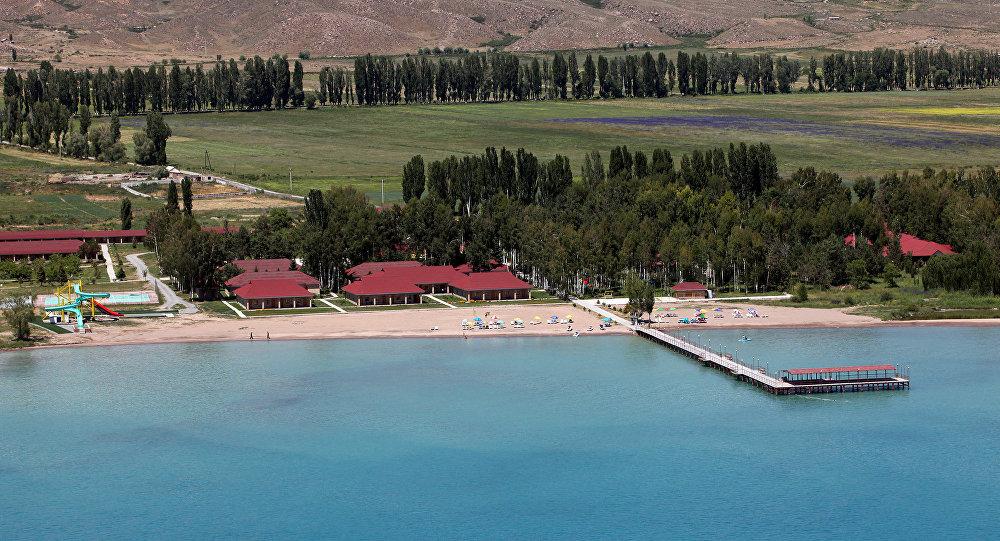 Побережье озера Иссык-Куля. Архивное фото