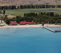 Курорт на берегу Иссык-Куля. Архивное фото