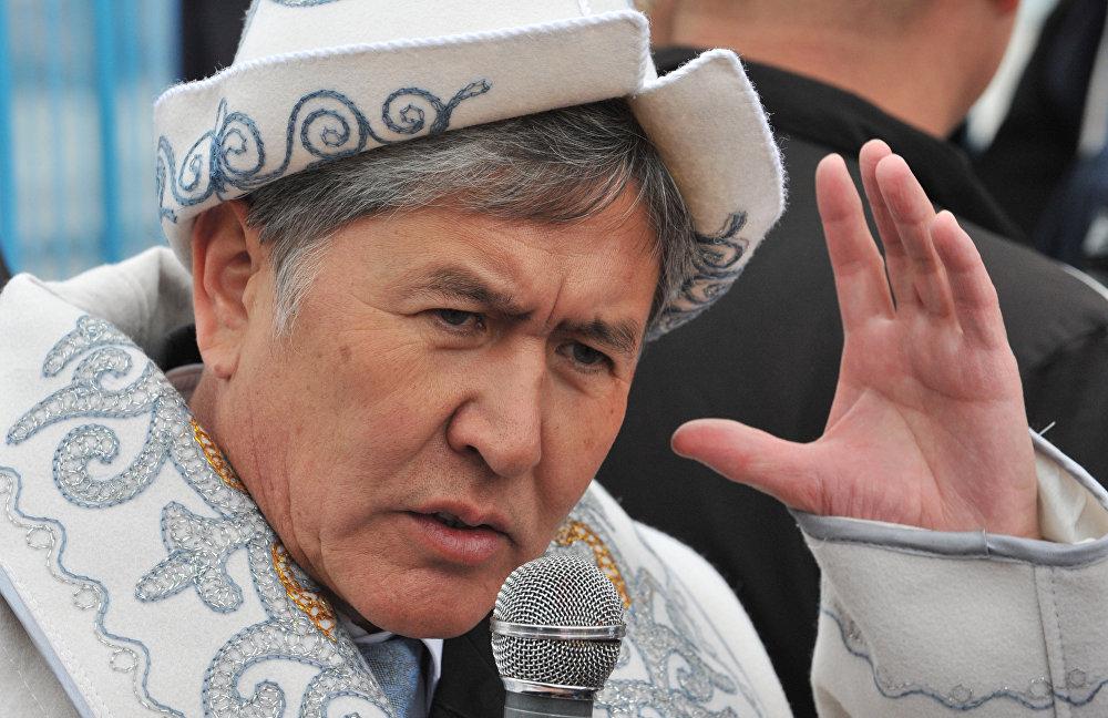 Премьер-министр Кыргызстана и кандидат в президенты Алмазбек Атамбаев. 2011 год