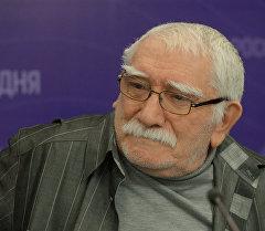 Актер, художественный руководитель Московского драматического театра Армен Джигарханян. Архивное фото
