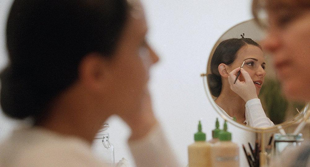 Дерматологи отыскали легкий, доступный и неопасный способ омолодить лицо