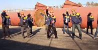 Массовый танец мужского коллектива Бишкектеплосети на 8 марта