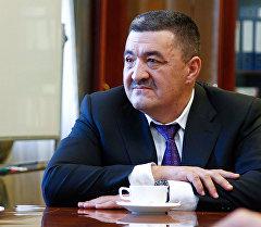Архивное фото мэра Бишкека Албека Ибраимова