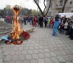 Празднование Масленицы в Бишкеке