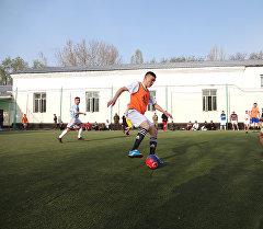 ЖАМК кызматкерлери мини-футбол ойноо учурунда