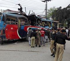 Пакистандын түндүк-батышында автобустун жарылуу болгон жай.