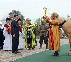 Ош шаарында Акындардын падышасы Ош Нооруз – 2016 аттуу эл аралык сынагынын катышуучулары