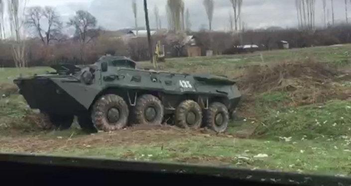Блок-посты, БТР и машины. Ситуация на границе с Узбекистаном на 19 мар